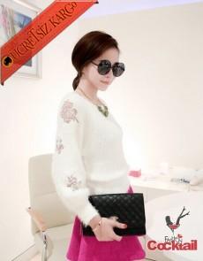 * Transparan Çiçek Kol Japon Tüylü Kazak Beyaz