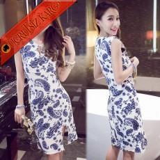 * Otantik Nakış Desenli Yırtmaç Mini Kolsuz Elbise